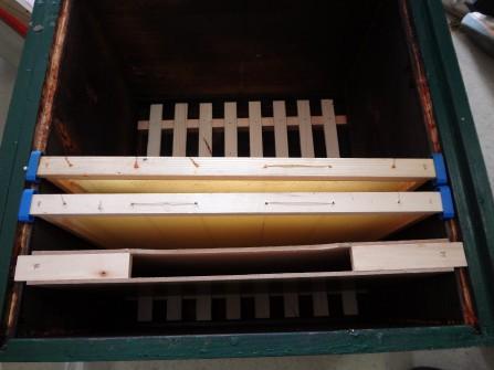 Úl s 10ti rámky a dvourámkovým krmítkem